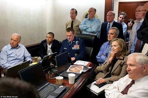 obama-whsituationroom-watches-obl-raid-s.jpg